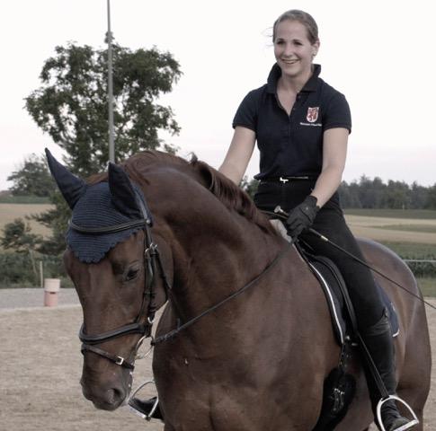 Ghislaine Jansen reitet